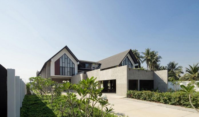 A rural home designed for a retired doctor and his family in the ...