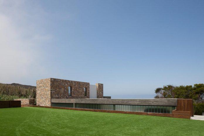 Two storey contemporary home near Lisbon designed by Ribeiro de Carvalho