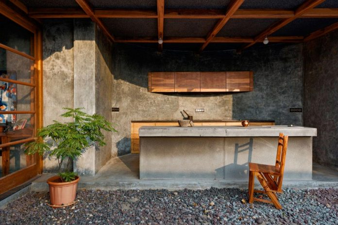 Veranda On A Roof By Studio Course Conjures Up An Image Of A Welcoming Social Space Meant For All Caandesign Architecture And Home Design Blog