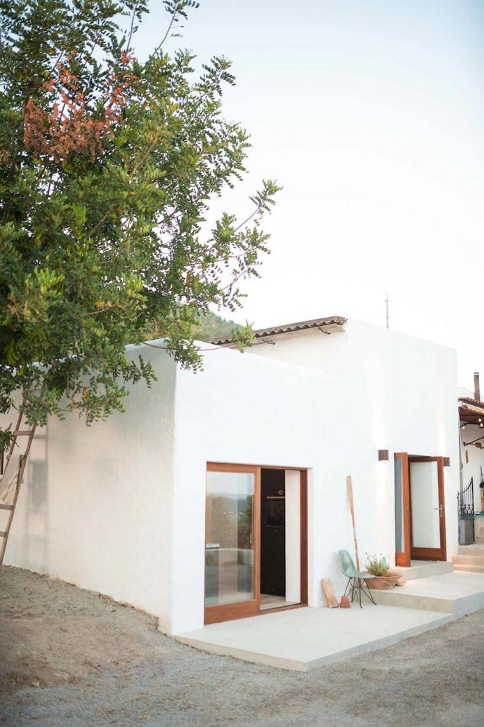 200 year old casita transformed into a showroom and for Ibiza classic house