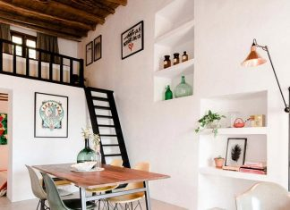 200 year old casita transformed into a showroom and guesthouse in Ibiza