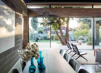 The combination of both professional and personal clarity of two architects to build their own home
