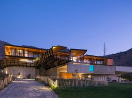 Casa Chamisero by GITC arquitectura: modern masterpiece in the middle of nowhere