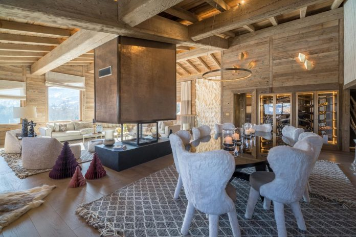 Luxor Chalet, a balanced cottage between silky materials and geometric shapes