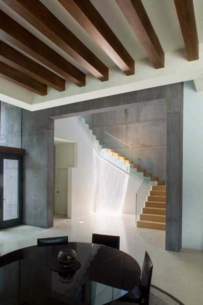 monterrey ultra modern mansion by barber choate hertlein