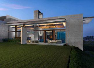 Monterrey ultra modern mansion by Barber Choate + Hertlein Architects
