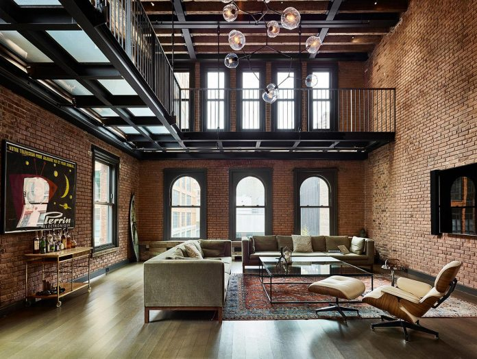 Penthouse in keeping with the 19th century architecture designed by oda new - Loft new yorkais deco ...