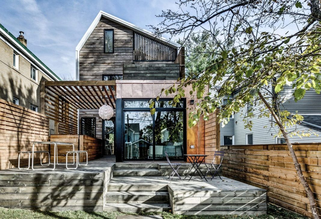 Transformation of a 110-year-old house into a contemporary home in Toronto, Canada