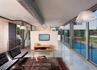 Two modern minimalist homes in Ramat Gan by Dror Barda, one is the guest home