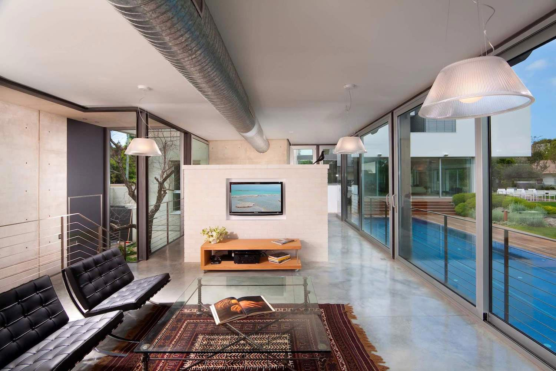 Two modern minimalist homes in ramat gan by dror barda for Minimalist townhouse design