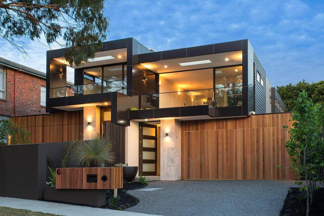 Bold square shapes on the exterior and contemporary for Modern house construction