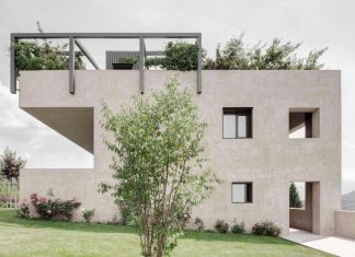 Cut Out - House H blends in with the terrain, optically leading to a ledge