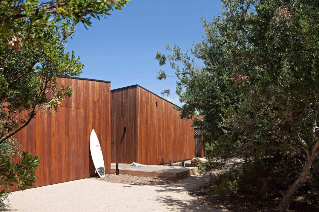 Hide and Seek House: a sensitive but tough new beach house creates an intriguing sanctuary