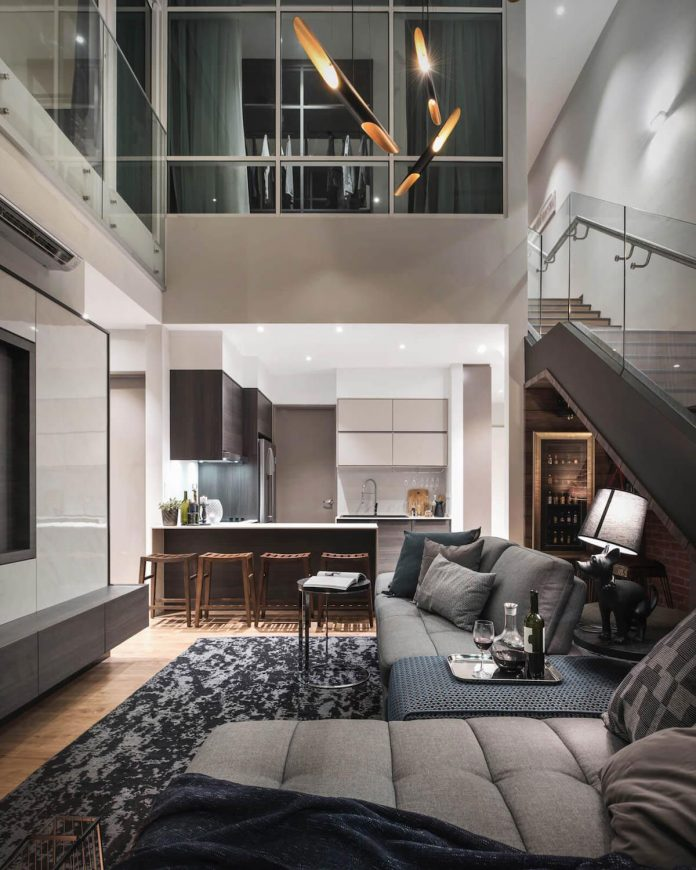 Taking The Advantage Of High Ceiling And Modest Forms Interior Impart A Feeling Loftiness Openness Volume That Blend With Sea View Which