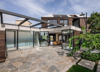 Modern industrial vibe with generous light filled ares and integration of indoor and outdoor spaces