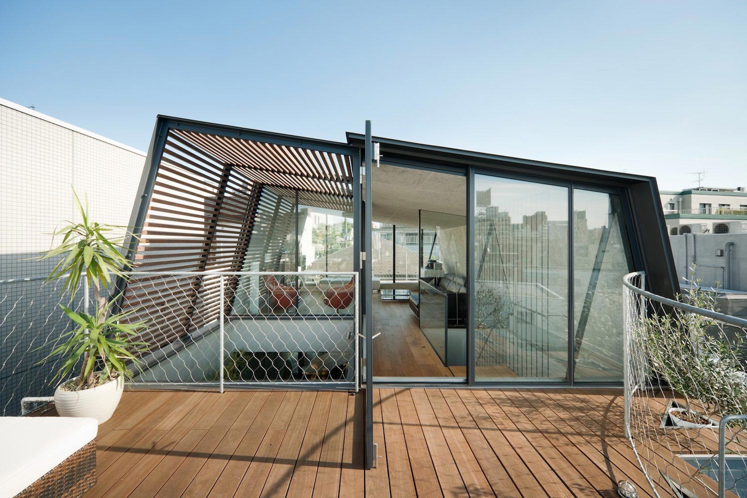 rearrangement of an originally two storey house to create a