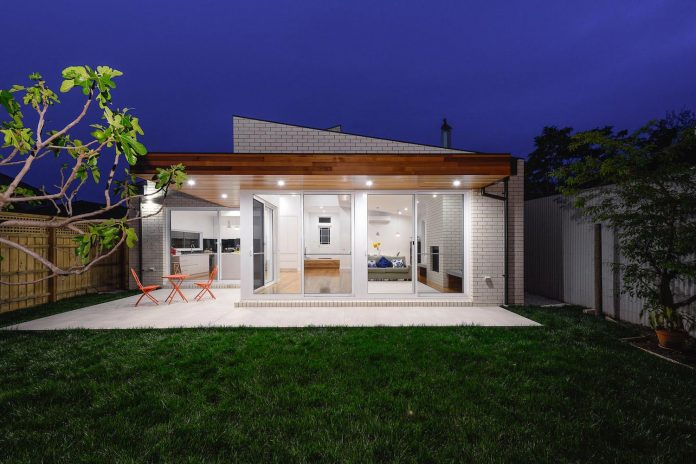 The New Building At The Rear Of The House Consists Mainly Of One Large L  Shaped Open Plan Kitchen, Living And Dining Area With Large Glass Doors  Across The ...