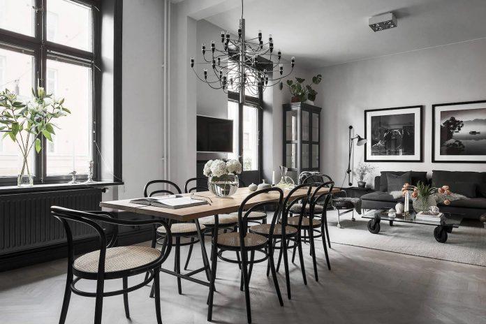 Fredrica designed a black & white contemporary Scandinavian style apartment in Stockholm