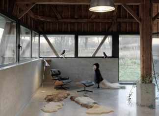 An abandoned barn in ruins reconverted into a place of residence