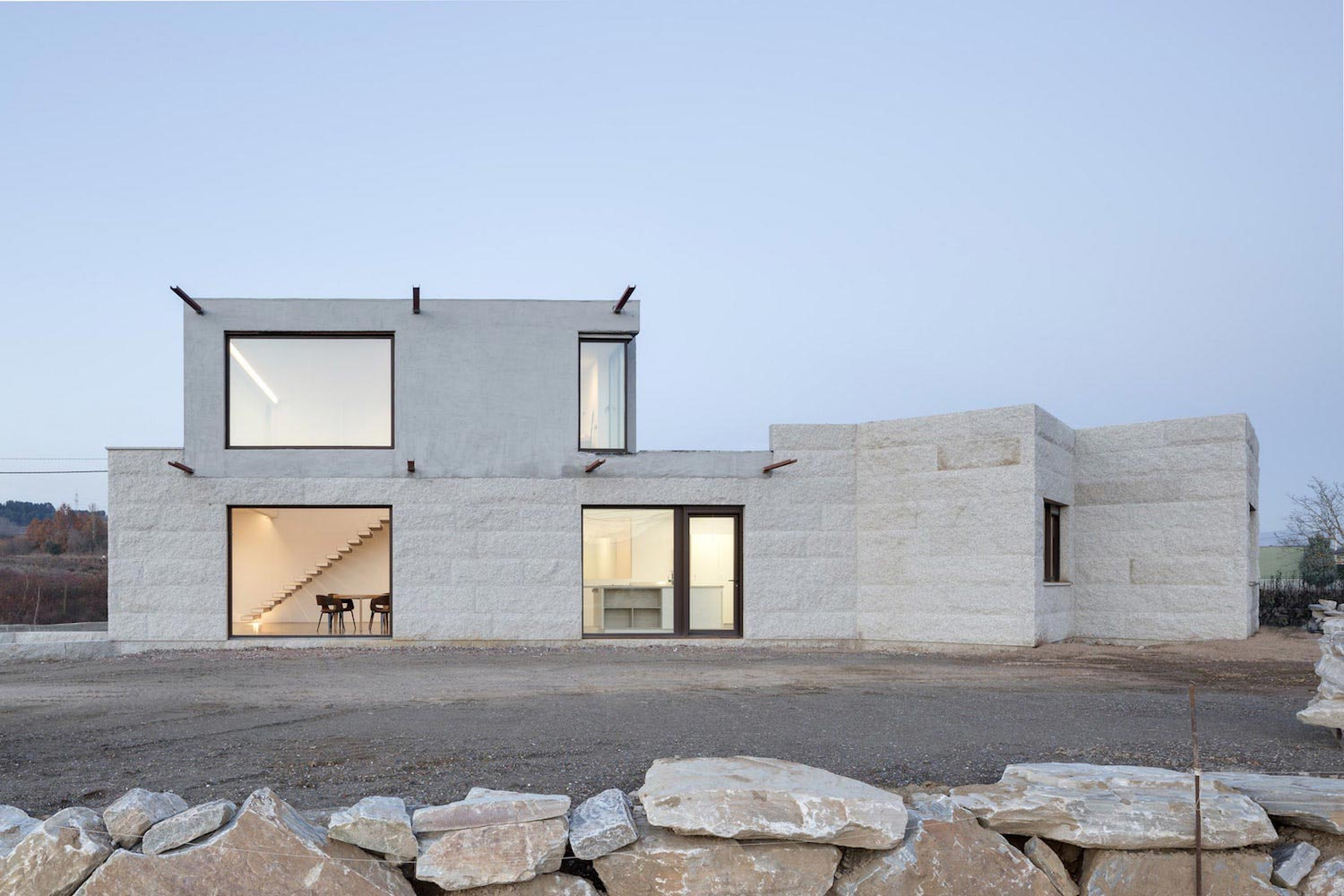 Building in spain that reinterprets the essence of for Building house blog