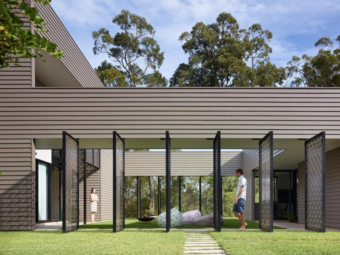 The design of Bird House project brings the outside in and encompasses the benefits of natural light