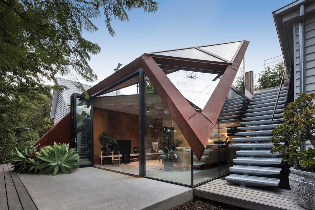 Surprising Extension To An Existing Heritage House That Keeps A Harmonious Inspirational Interior Design Netriciaus