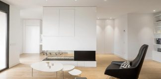 Family Hub by Susanna Cots: a minimalist home in the heart of Catalonia