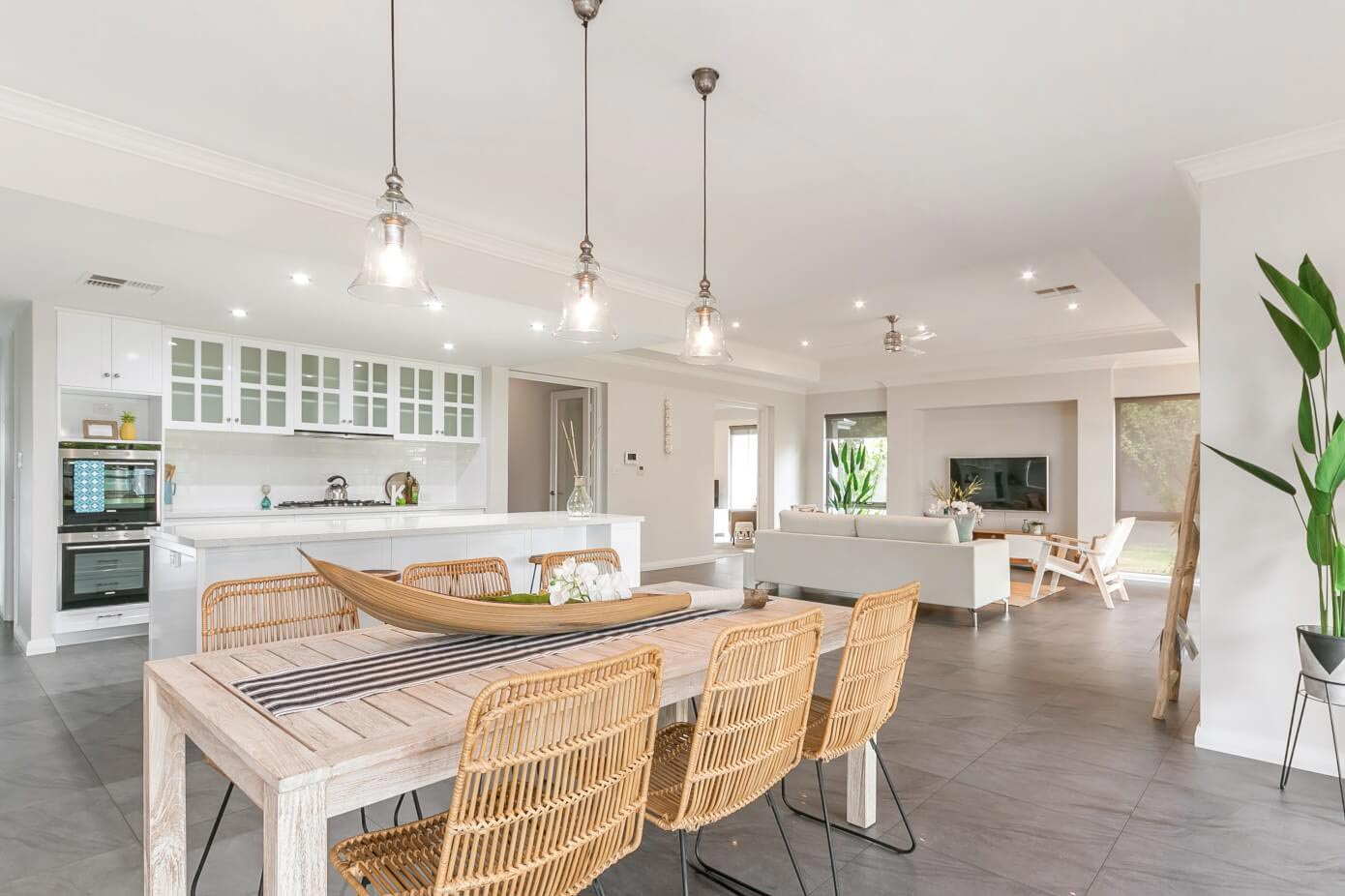 Hamptons Residence Brings Together Traditional