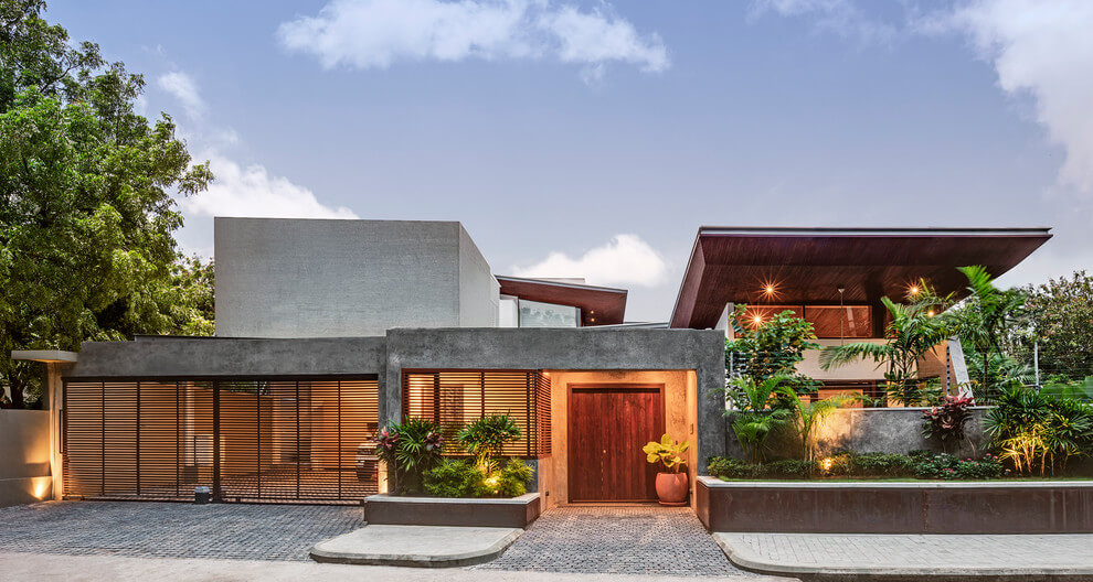 House 1058 By Khosla Associates: Cantilevered Timber Clad And Staggered  Rooms Oriented Towards The Internal. Home Design