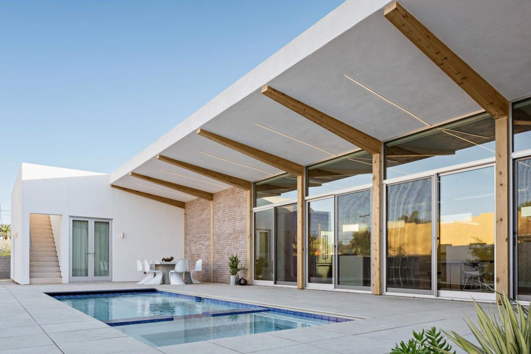 House in a historic district of phoenix that provides an escape from the bustle of city - Phoenix home design ...