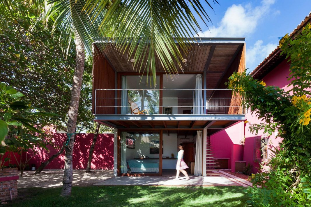 House in a summer resort town perfect designed to receive friends and family