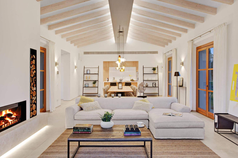 Ijover interiorismo designed a bright single story for Home architecture blog