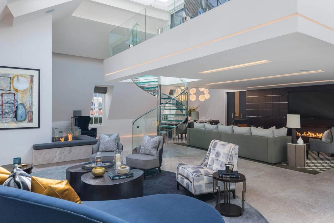 Mayfair Duplex Penthouse offers an elegant and stylish way of life in the West End of London