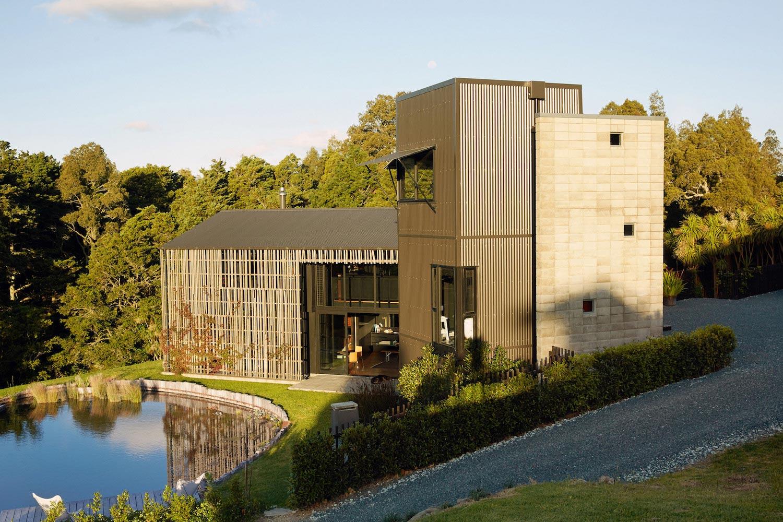 Modern Farmhouse Using Traditional New Zealand Rural