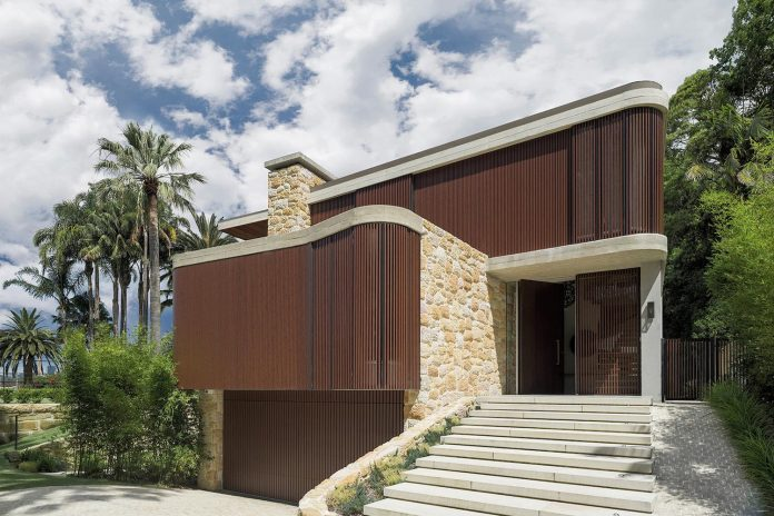 It Was Natural To Choose Stone And Timber To Build A New House On The Edge  Of One Of These Private Parks. Sydney Sandstone Has A Slightly Yellow Hue  That ...