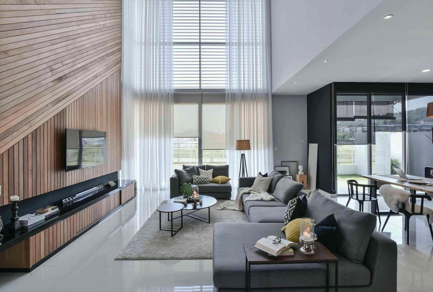 Wil S 11 Residence Living Room With A Double Volume Wood
