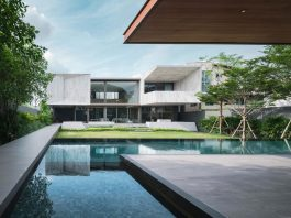 House by OPENBOX architects illustrates the harmony between architectures and surroundings
