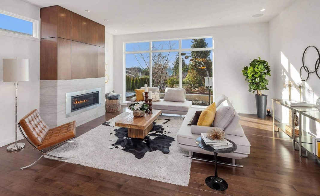 Modern Yarrow Point Residence With An Interior Design Defined By The Combination Of Mahogany Wood