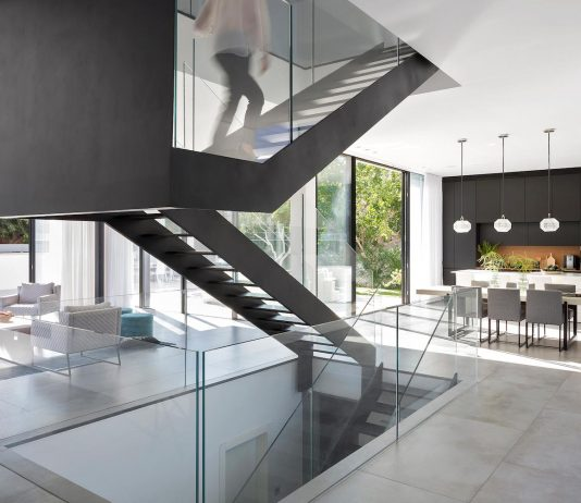 Stunning design for a L-shaped house located in Israel