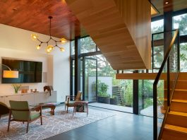 Unusual and ultimately elegant concept of a residence by Schwartz and Architecture