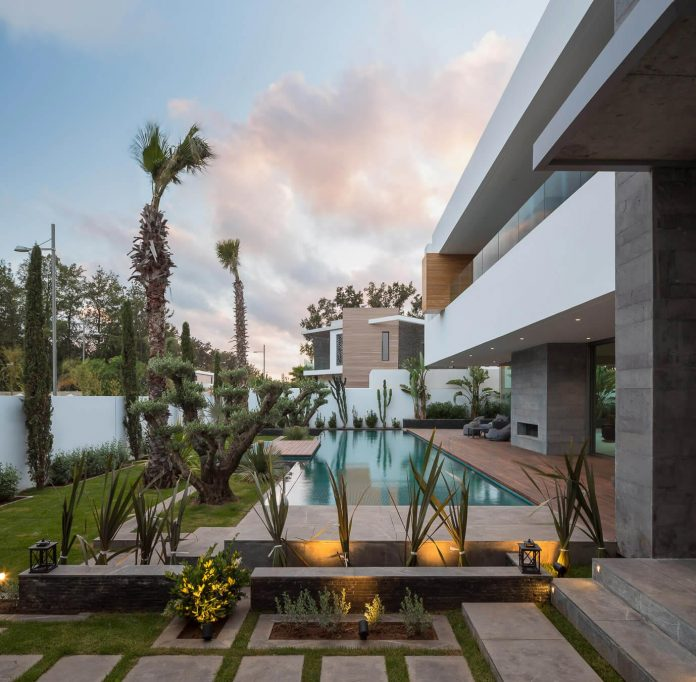 Scret Home House Luxury: Villa C, A Modern Private House In A Luxury Suburb Of