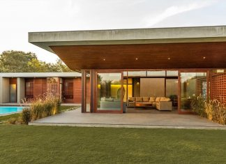 Weekend house meant as a gathering and retreat place for the family