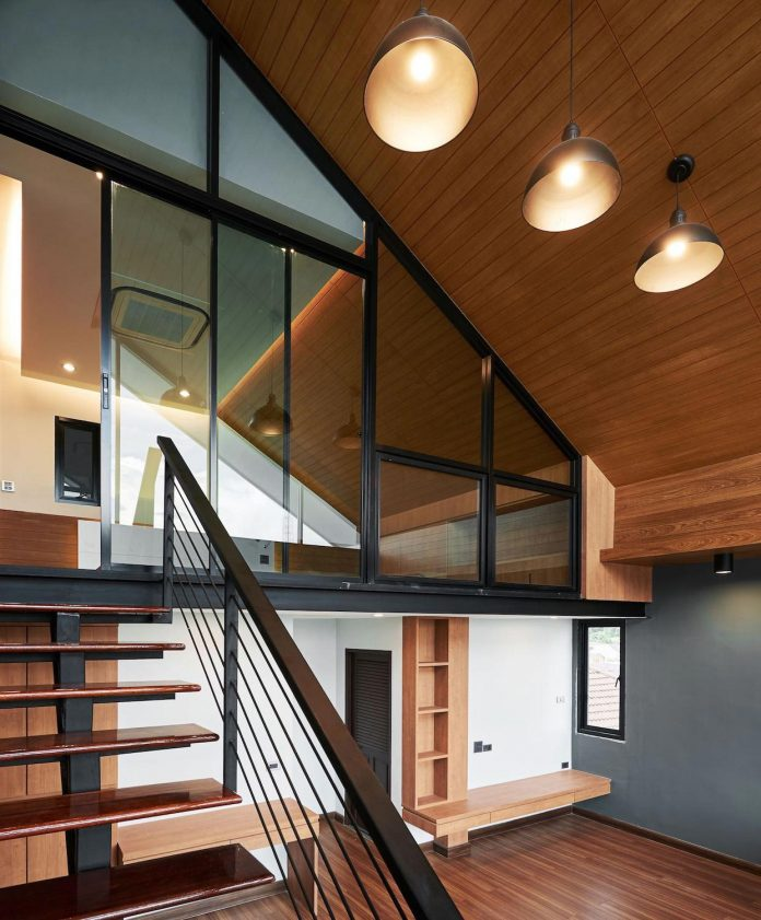 Building With A Modern Style That Combines With The