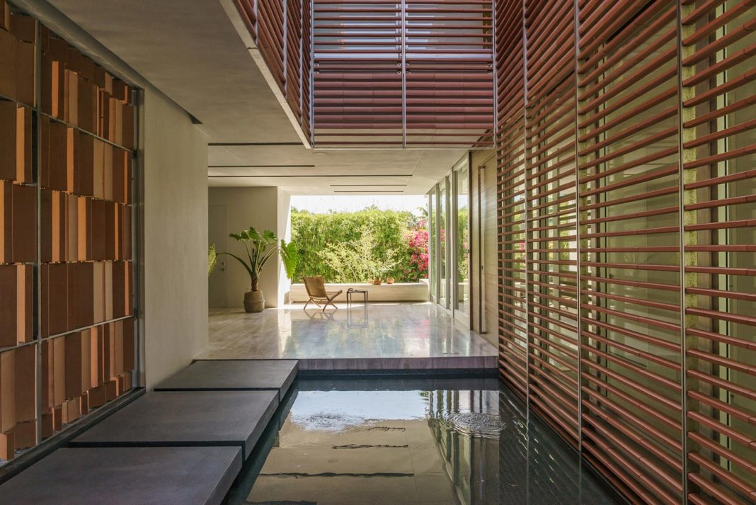 The Key Biscayne Residence developed in response to its sub-tropical island environment