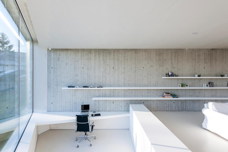 narrow-long-tall-house-covered-vivacious-bricks-brings-texture ...