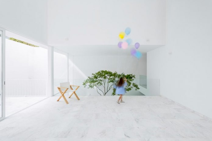 Project that offers privacy and generates an atmosphere that combines the correct management of light and the fluidity of spaces