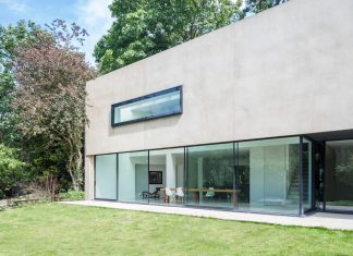 The reconfiguration of a detached house using a modernist detailing