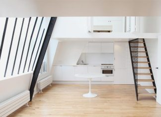 The renovation of an apartment located on the top floor of a Parisian building