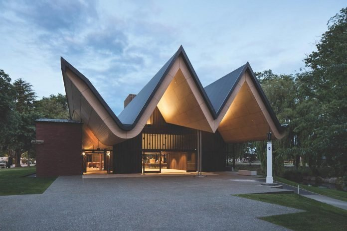St Andrew's College Centennial Chapel by Architectus