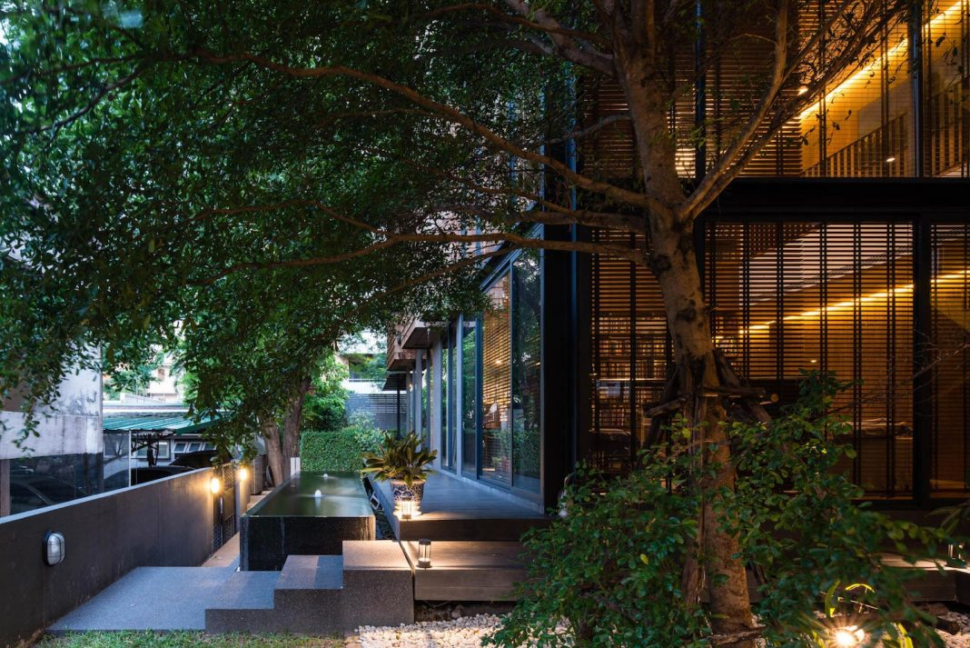 Family house privately planned to have each own functional space